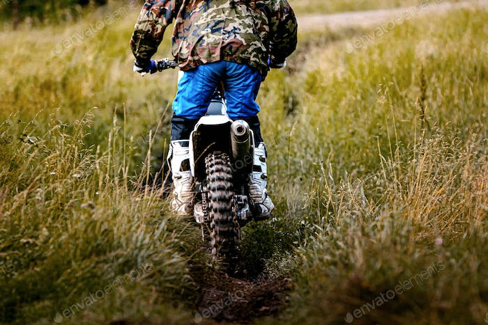 back driver on motorcycle enduro