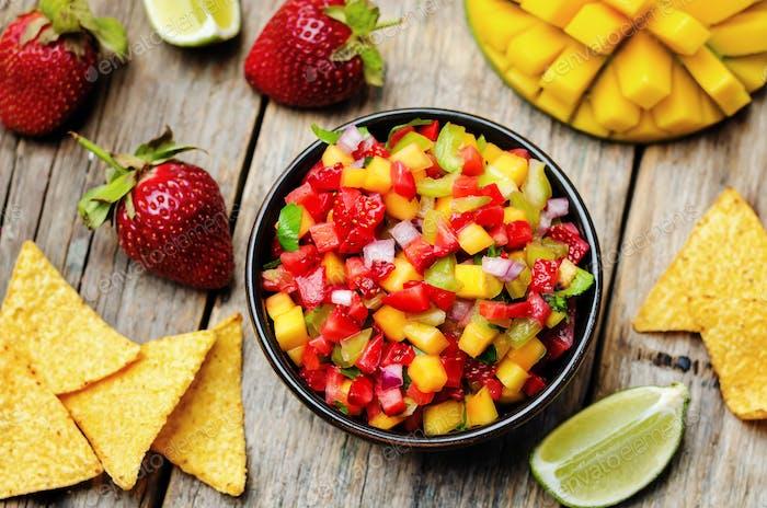 Erdbeere Mango Pfeffer Salsa