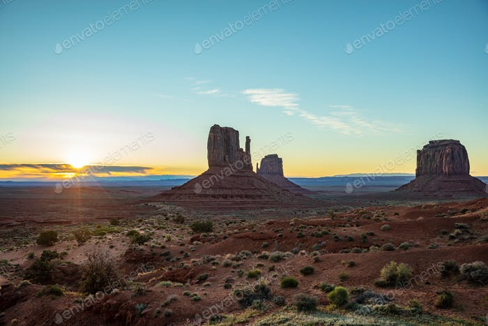 Sunrise at Monument Valley Tribal Park in the Arizona-Utah border, USA