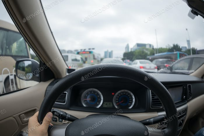 Fahren im Stau