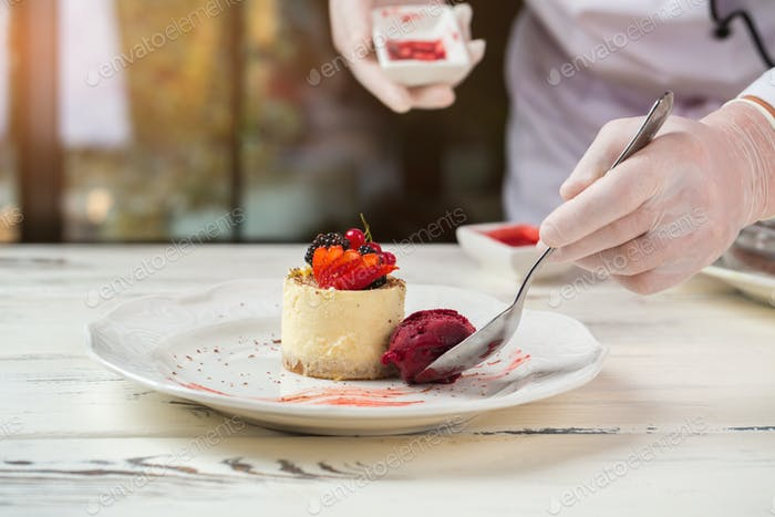 Small round cake with berries
