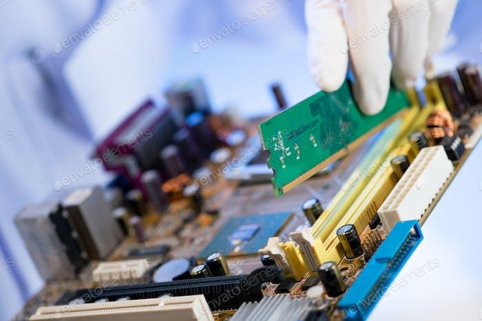 Assembling computer