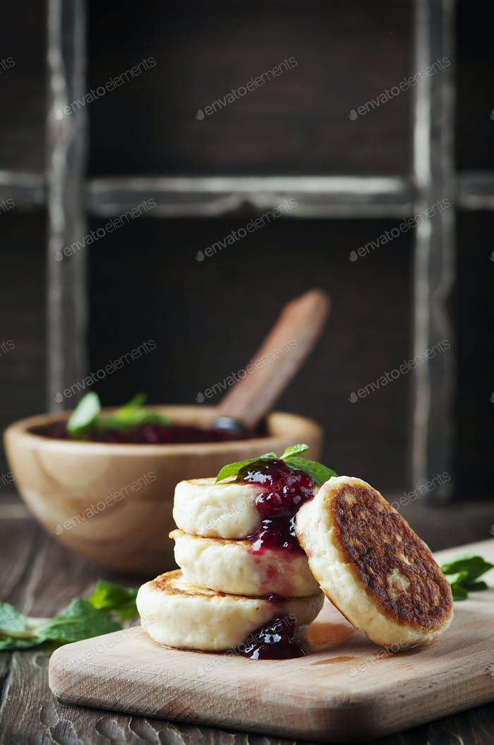 Russian Cottage cheese pancake with raspberry