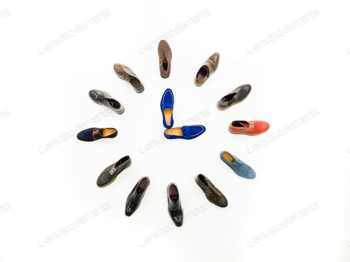 Drei-Uhr-Treffen Schuhe