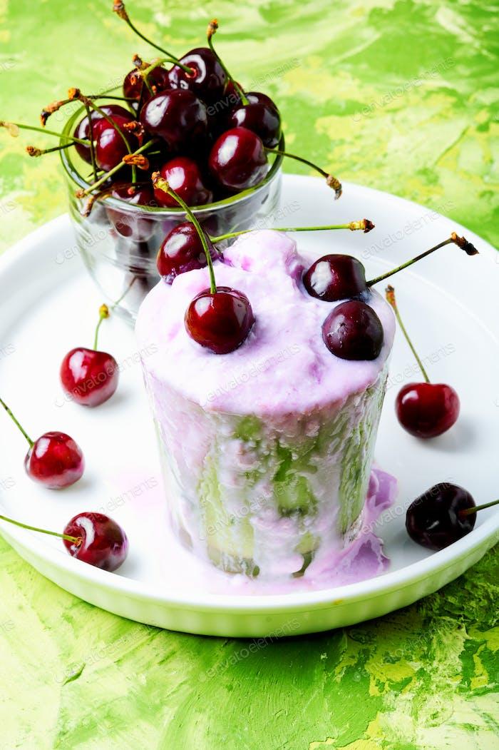 Ice cream with cherry flavor