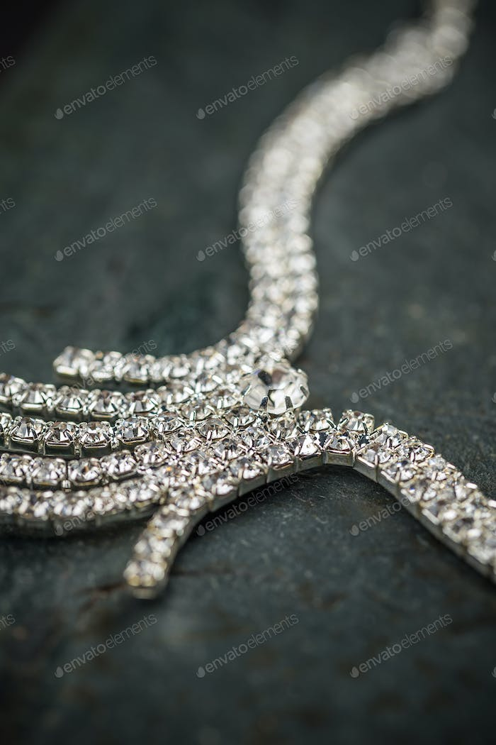 Elegant luxury bridal necklace