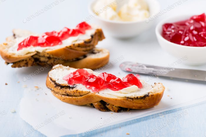 Sandwiches with fresh red currant jam