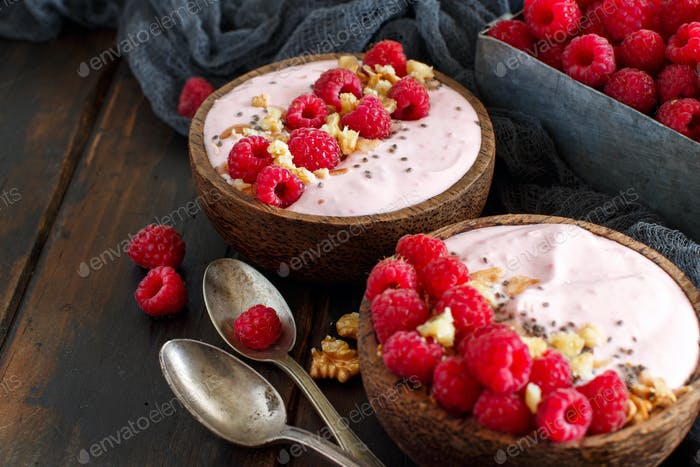 Raspberries smoothie bowl