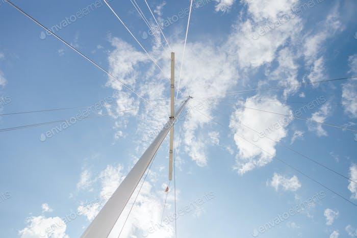 yacht mast with stretch marks