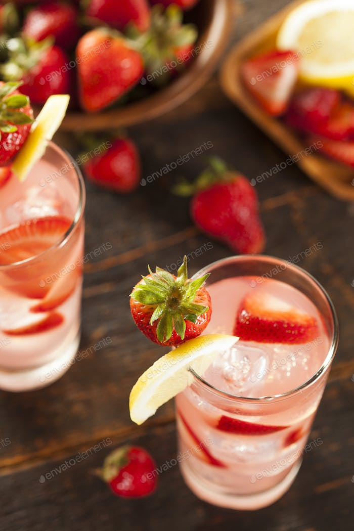 Refreshing Ice Cold Strawberry Lemonade