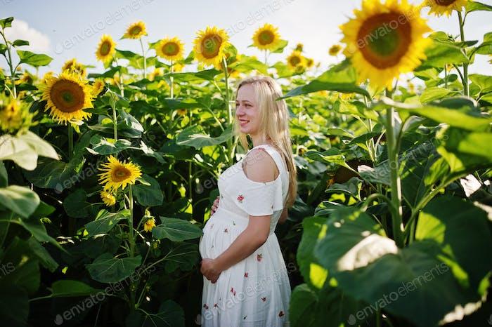 Glückliche Momente der Schwangerschaft