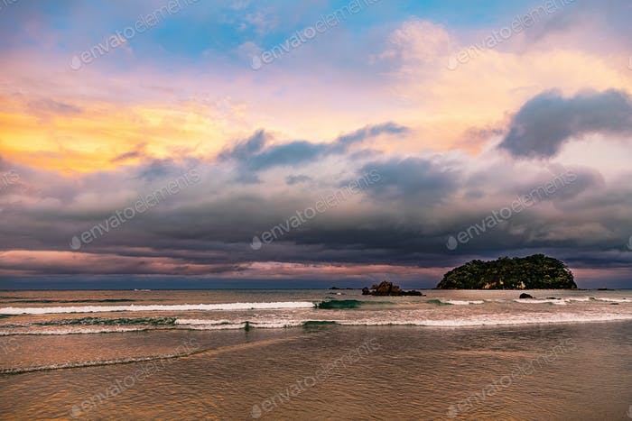 Bahía de Plenty puesta de sol