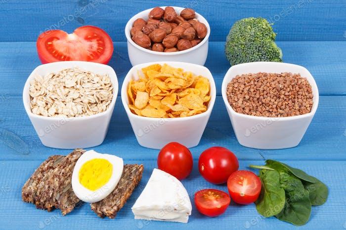 Gesunde Inhaltsstoffe als Quelle Mineralien, Vitamin B2 und Ballaststoffe, nahrhaftes Esskonzept