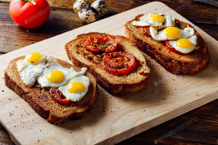 Bruschettas with Tomatoes and Eggs