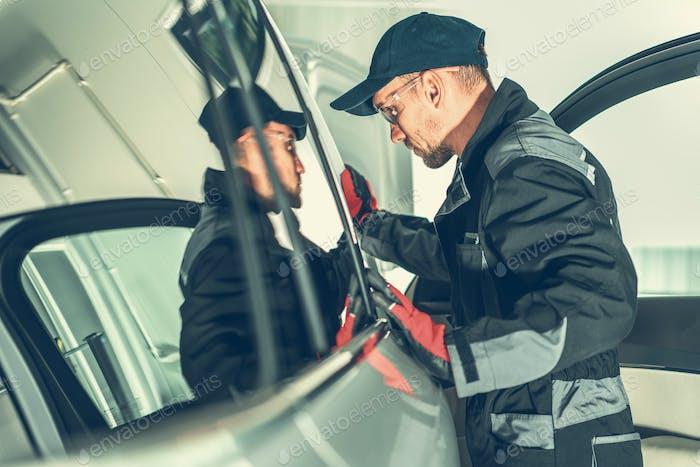 Vehicle Mechanic Job