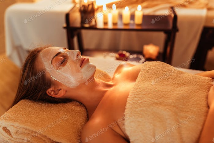 Relaxing beauty treatment