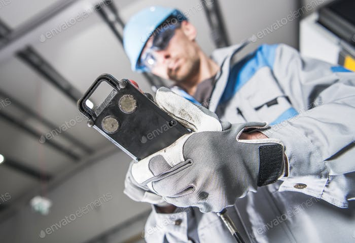 Maschinenbediener Arbeiter