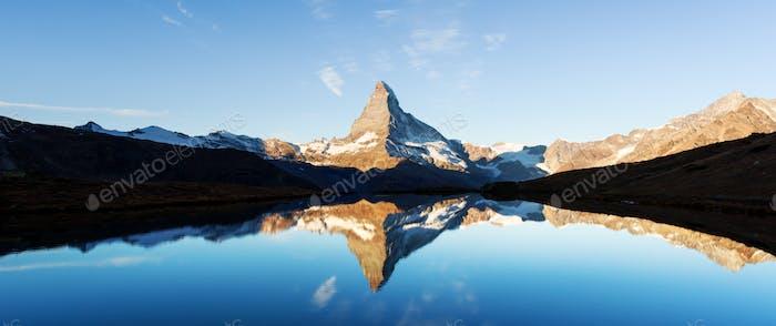 Matterhorn peak on Stellisee lake