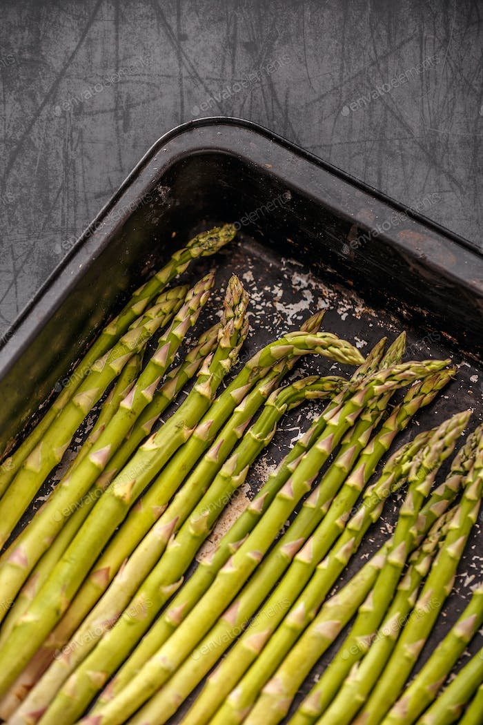 Uncooked asparagus spears