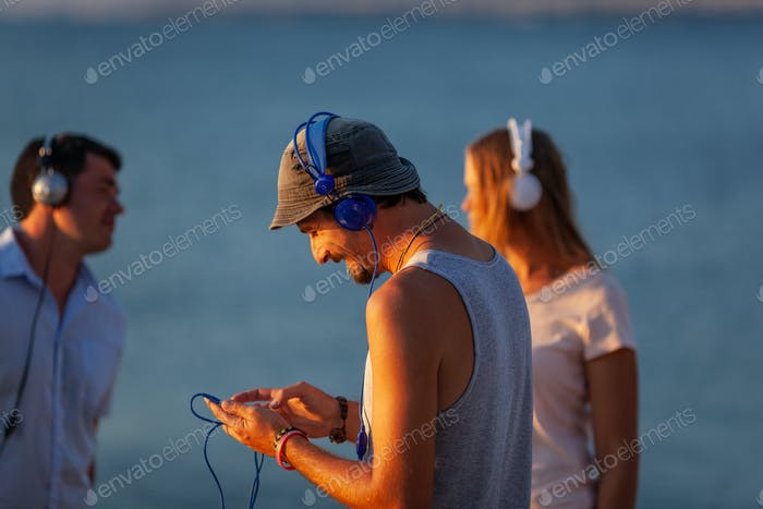 Sea, sun, music