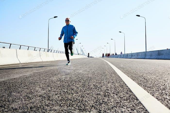 Runner on racetrack