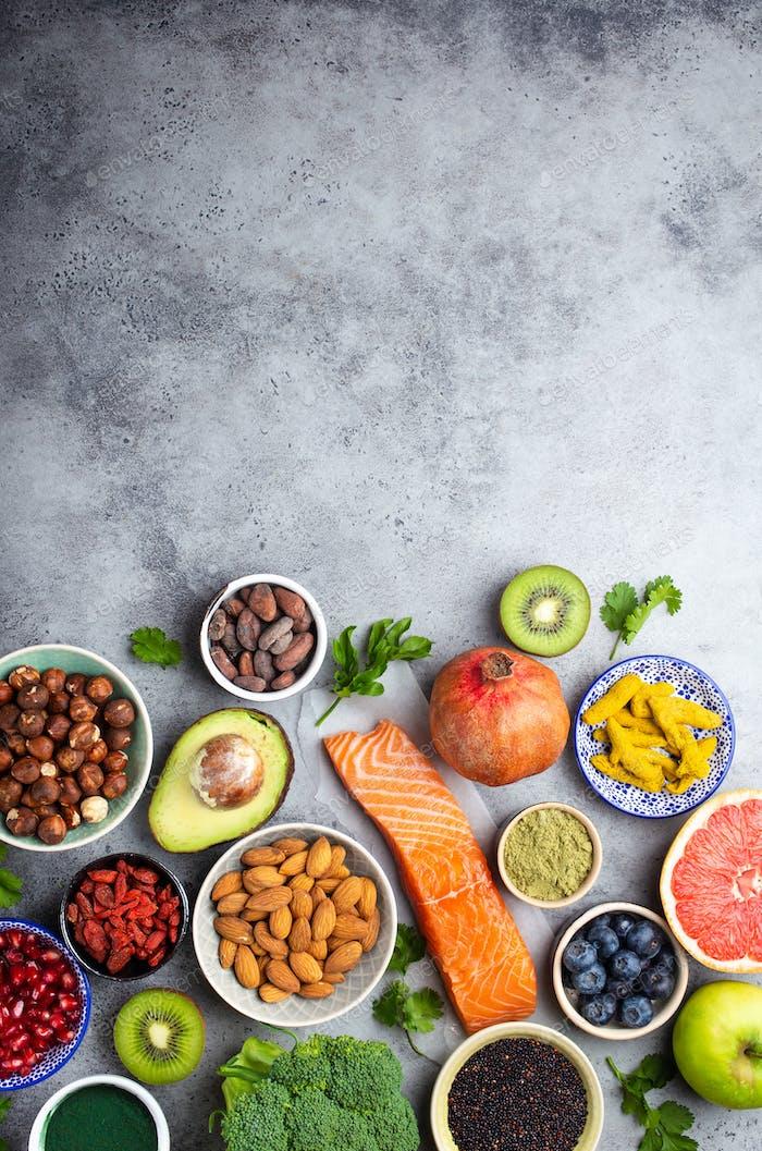 Verschiedene Superfoods Auswahl