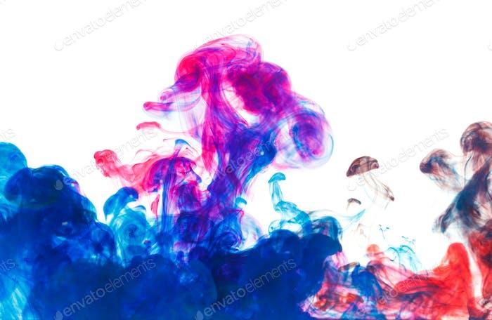 Color drop underwater creating a silk drapery