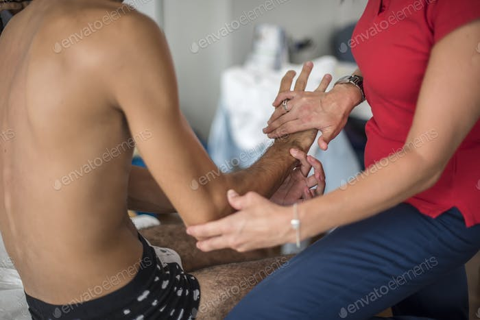 Arm physiotherapy