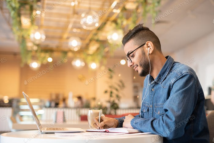 Guy preparing for seminar