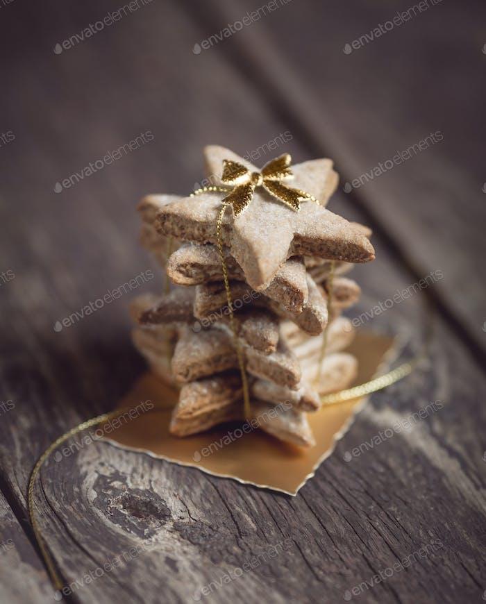 Stapel von schönen Weihnachtsplätzchen