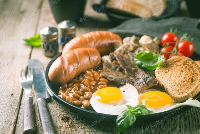 Volles englisches Frühstück