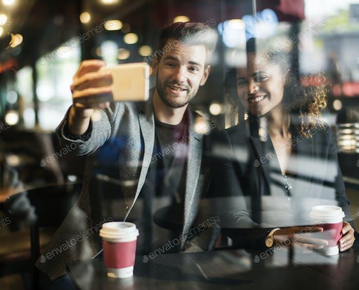 Paar in einem Café