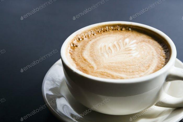 Leaf design in espresso foam
