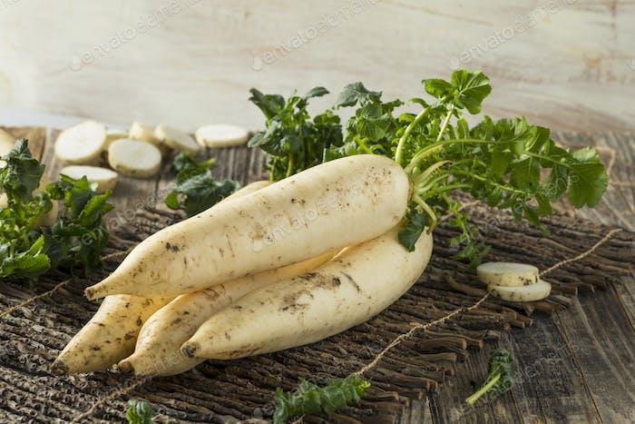 Raw Organic White Daikon