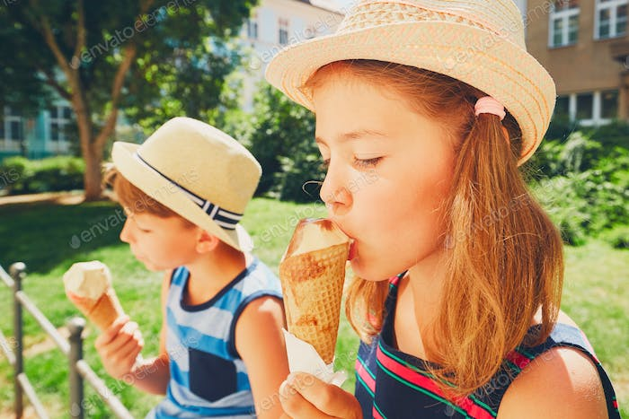 Siblings with ice cream