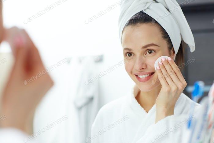 Removing makeup