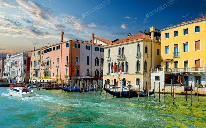 Sonniger Sommer Venedig