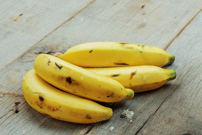 Banana of ripe on wood