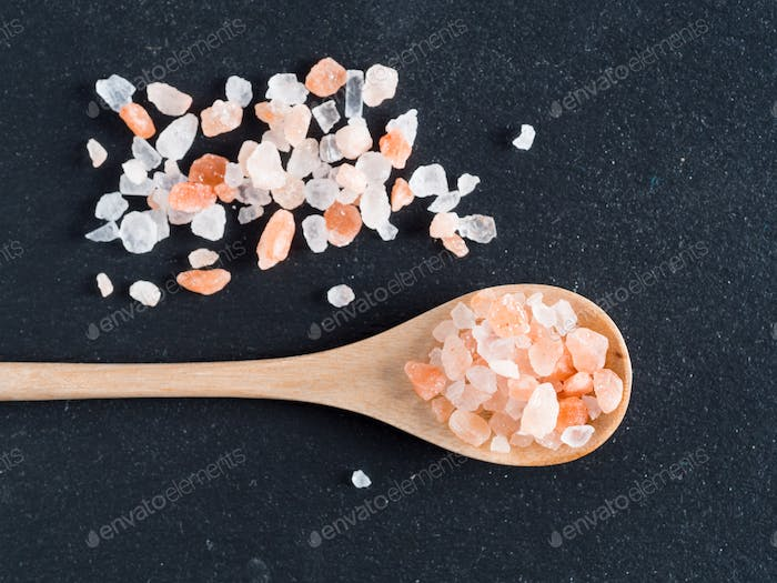Himalayan pink salt in crystals