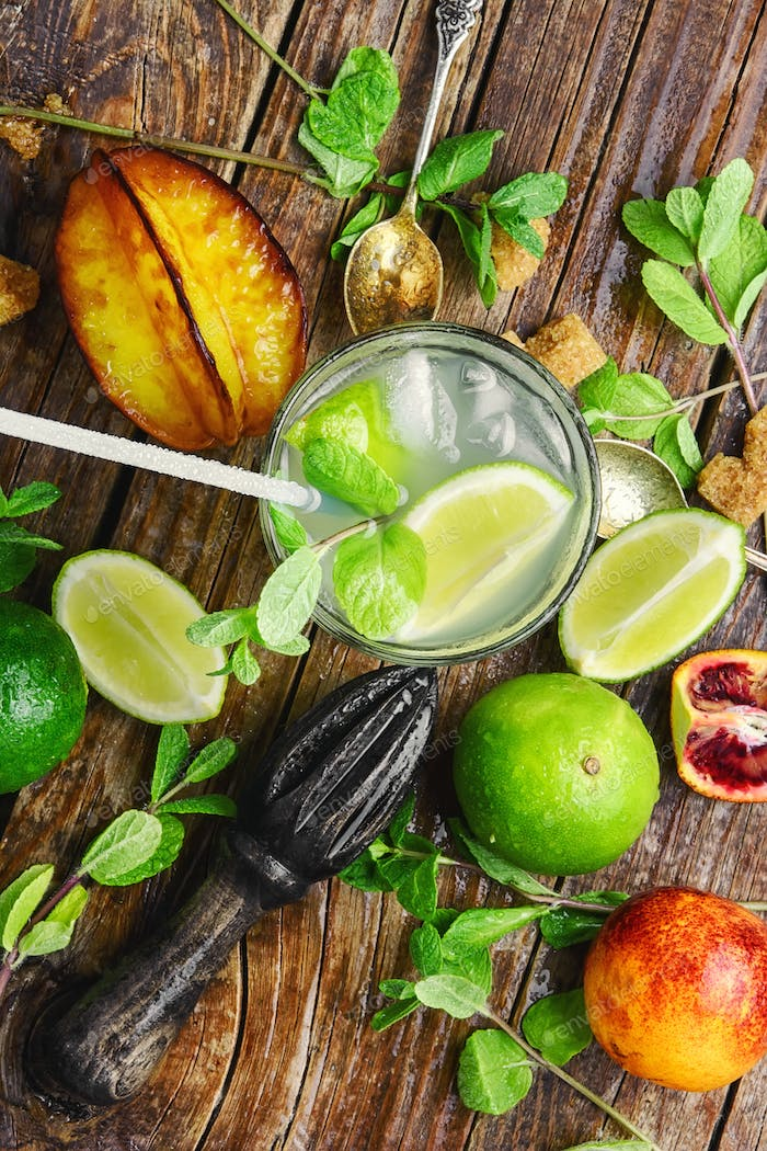 citrus fruit ingredients for detox drink