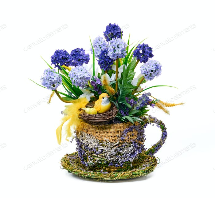 Dekorative Osterblume Anordnung von Hyazinthen auf weißem Hintergrund