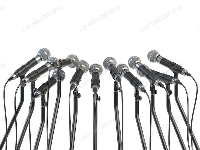 Mikrofone vorbereitet für Pressekonferenz oder Interview isoliert