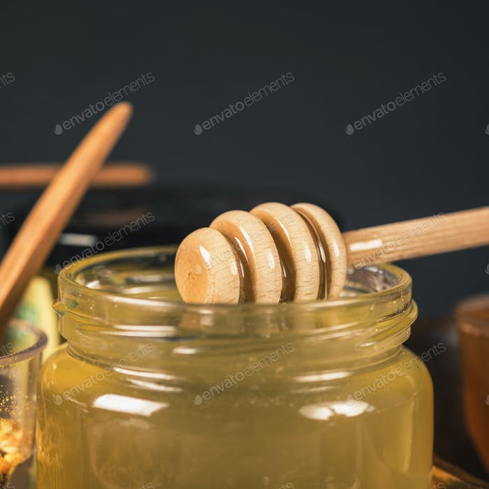 Honey Glass Jar with Wooden Dipper