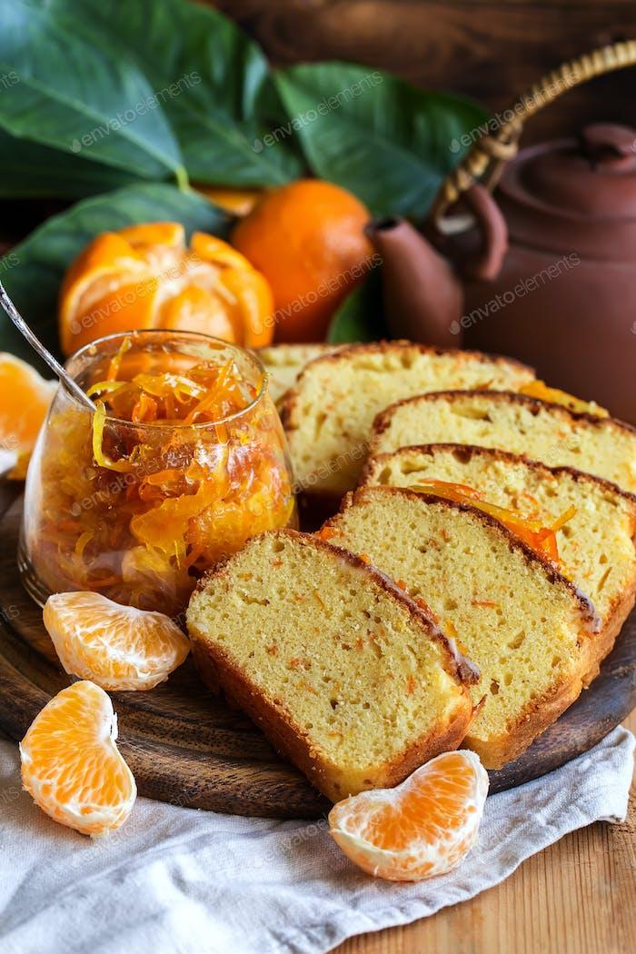 Tangerine cake with tea