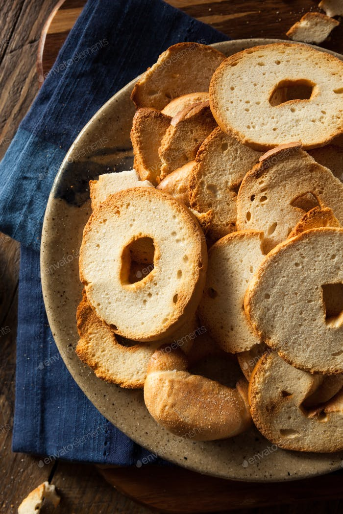 Homemade Whole Wheat Bagel Chips