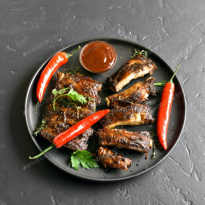 Spicy grilled spare ribs