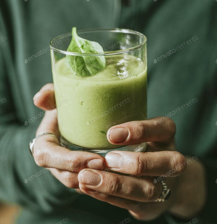 Vegan vegetable and ginger smoothie