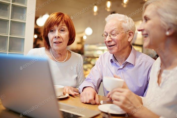Netzwerk im Café