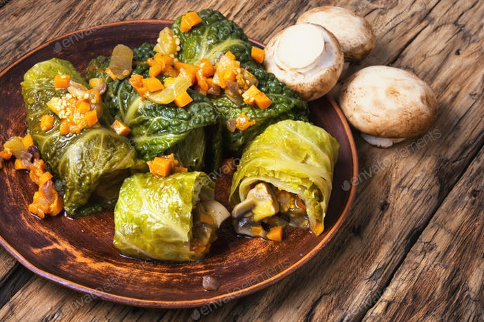 cabbage rolls with vegetable