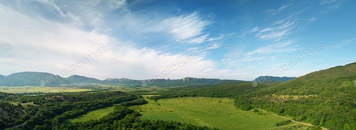 Luftfelder und Wiesenpanorama